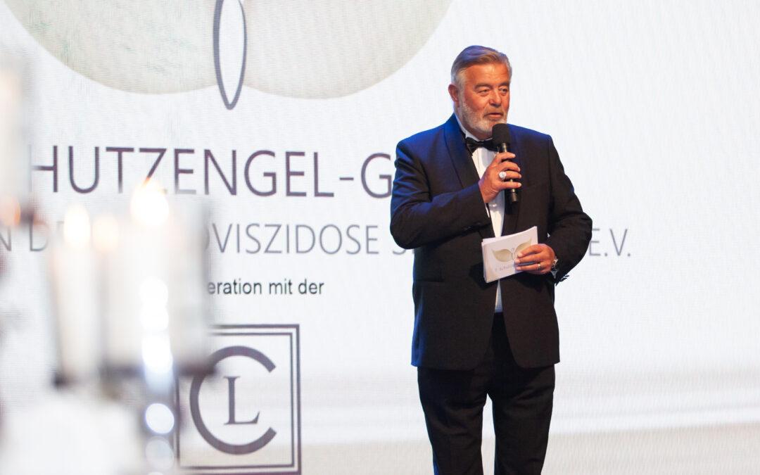 Harry Wijnvoord ist Moderator der Gala